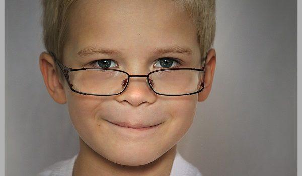 Occhiali per ragazzi scopriamo le differenze di scelta (002)